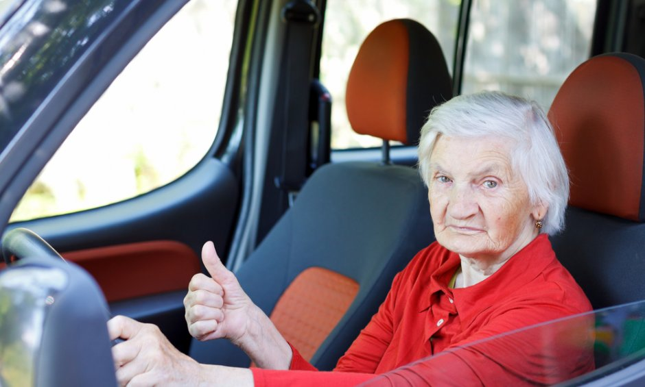 Οδηγίες για την ανανέωση άδειας οδήγησης για οδηγούς άνω των 74 ετών